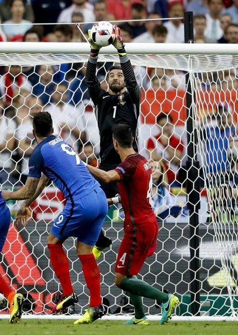 Un Portogallo coraggioso vola sul tetto d'Europa. Il gol di Eder al 4' del secondo tempo supplementare regala alla Nazionale lusitana il primo successo nella competizione continentale...