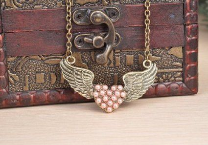 Amazon.com: Retro Pink Pearl Heart-shaped Wings Necklace,With Annagle Lord of the Rings Necklace: Beauty