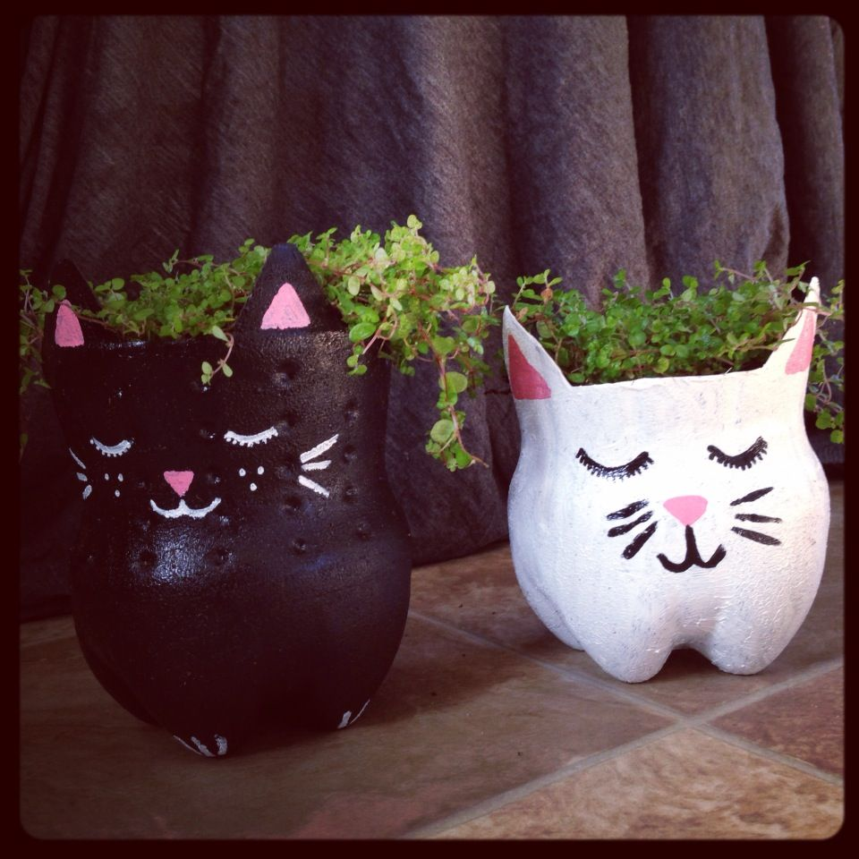 Quick craft soda bottle kitty planters quick crafts for Cut top off bottle