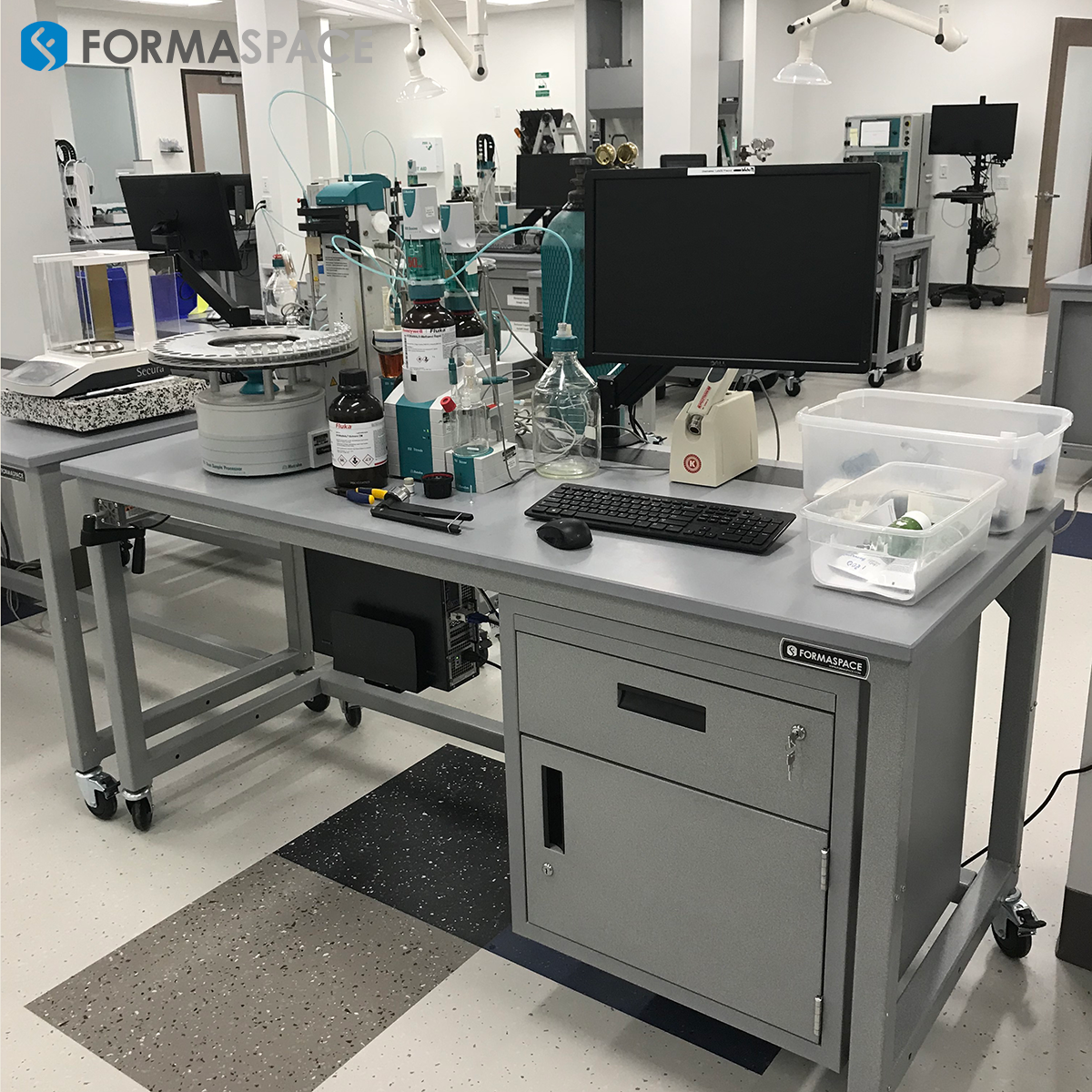 Chemical Analysis Mobile Workbench Formaspace Lab Features Gray Epoxy Basix Workbenches With Right Hanging Steel Workbench Mobile Workbench Steel Cabinet
