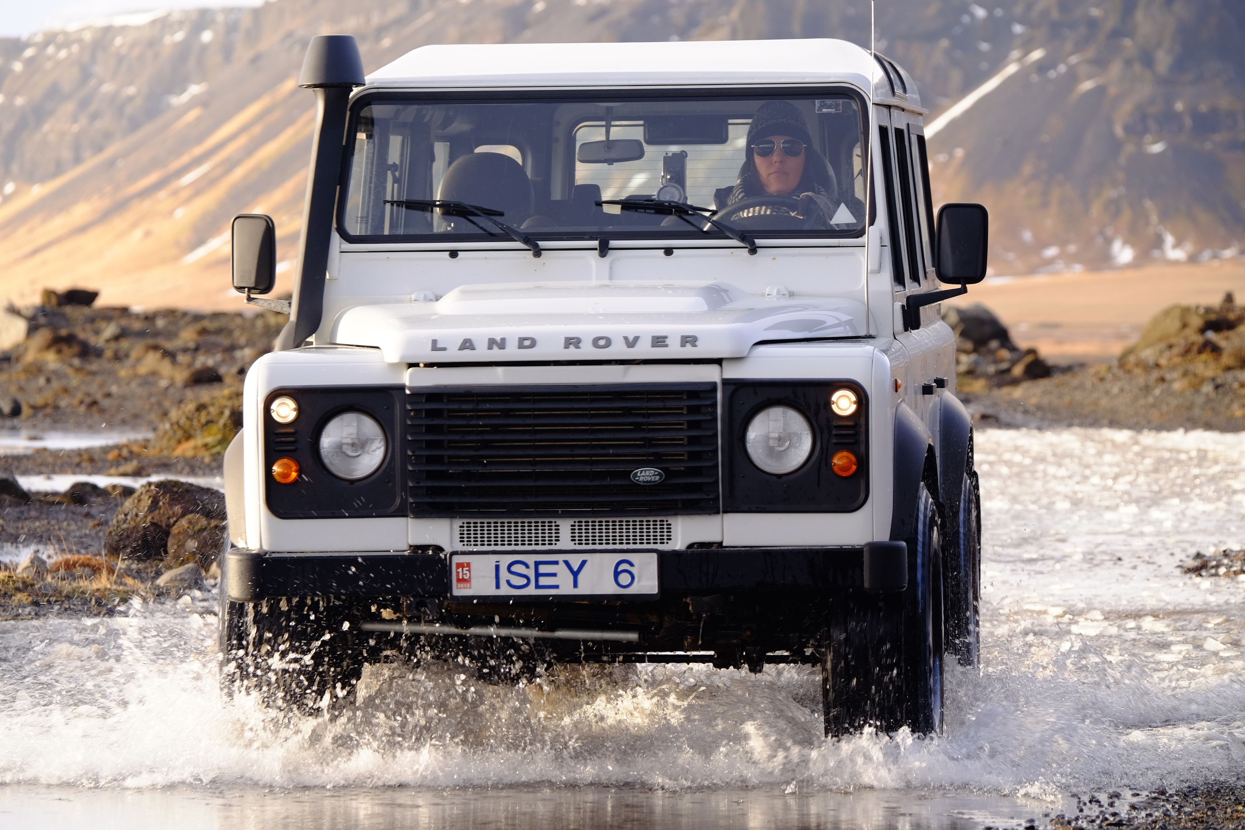 Pin By Fred Burrows On My Dream Garage Land Rover Land Rover