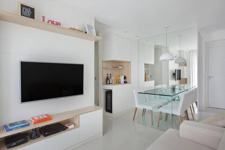 Salas de estar Moderno por Carolina Mendonça Projetos de Arquitetura e Interiores LTDA