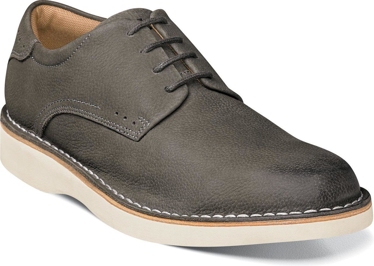 462685d0280c All-day wear and all-day style combine in the Florsheim Navigator Plain Toe  Oxford.