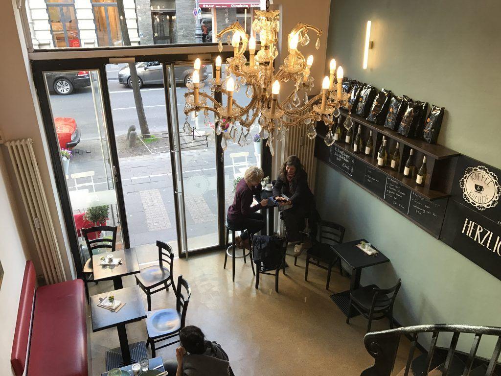 Kaffee Kuchen Grosse Auswahl An Hausgemachten Kuchen Im Belgischen Viertel In Koln Kaffee Und Kuchen Gemutliches Cafe Kaffee