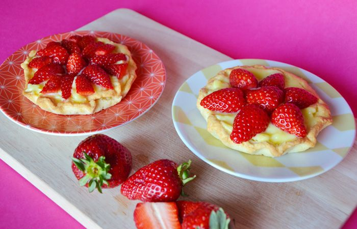 TORTINE CON CREMA PASTICCERA E FRAGOLE Mini strawberries cake recipe ©Gucki.it