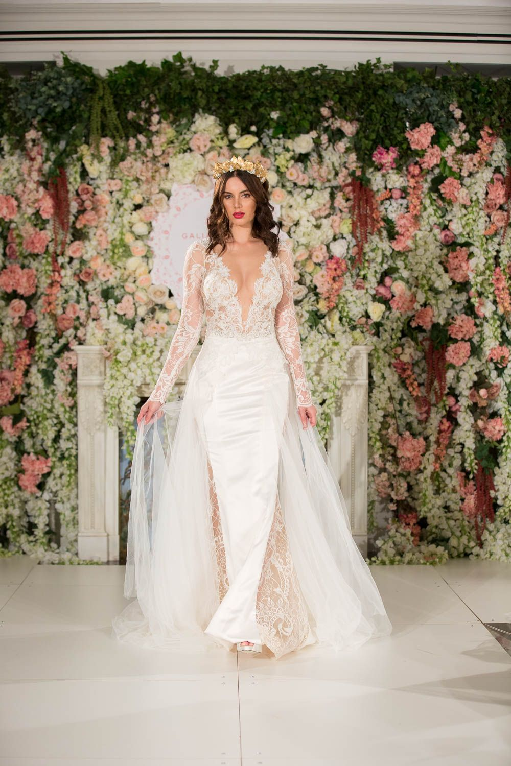 Wedding dress trunk show  Eternal Bridal Trunk show  Collection Les Reves Bohemiens World
