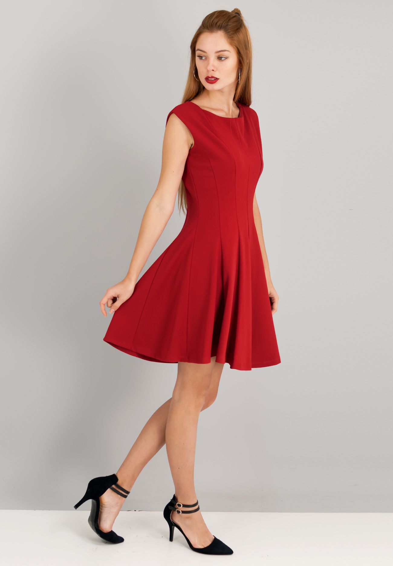 Μονόχρωμο αμάνικο φόρεμα σε γραμμή Α.  2b4cba255dc