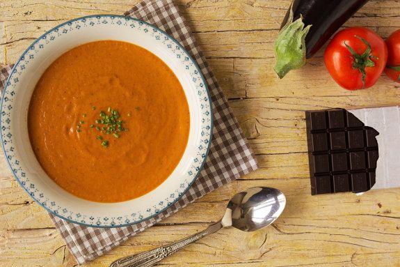 Cinco Quartos de Laranja: Sopa picante de tomate com chocolate