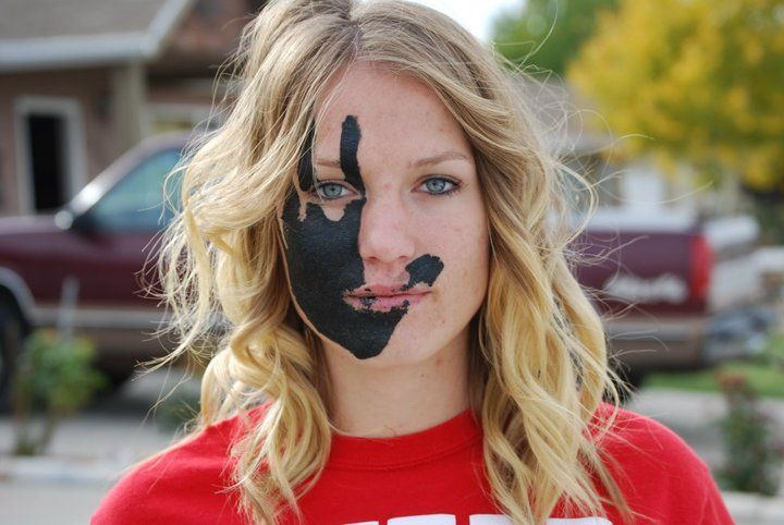 Easy Game Day Face Paint Idea College Crafts In 2019