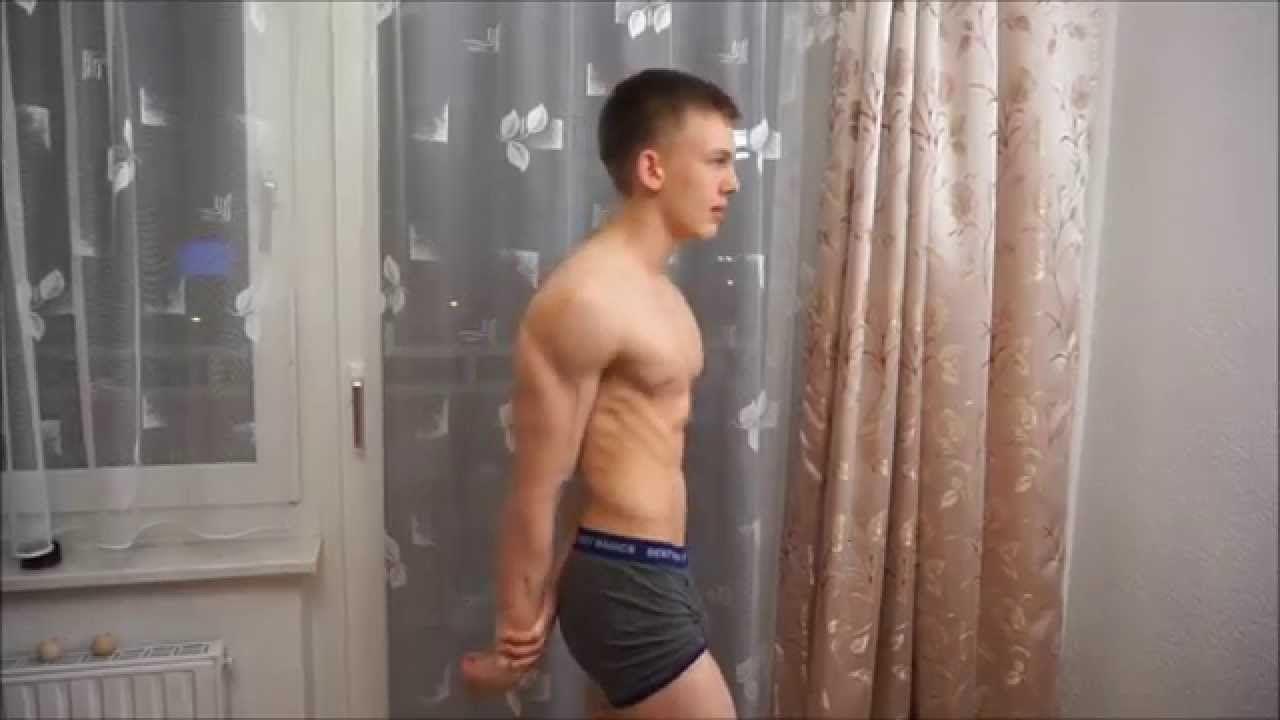 14 Year Old Bodybuilder Jorg Grinvald Posing Und Flexing Old Bodybuilder Bodybuilding Bodybuilders