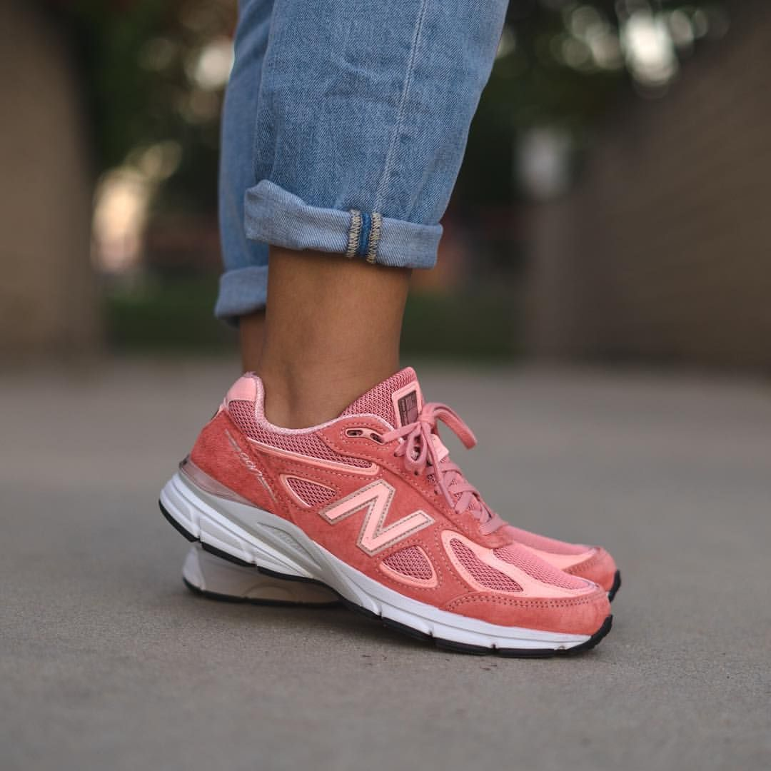 New Balance 990v4: Pink