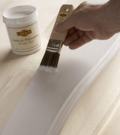 Apprenez patiner un meuble avec le mat riel necessaire - Peindre un meuble en bois effet patine ...