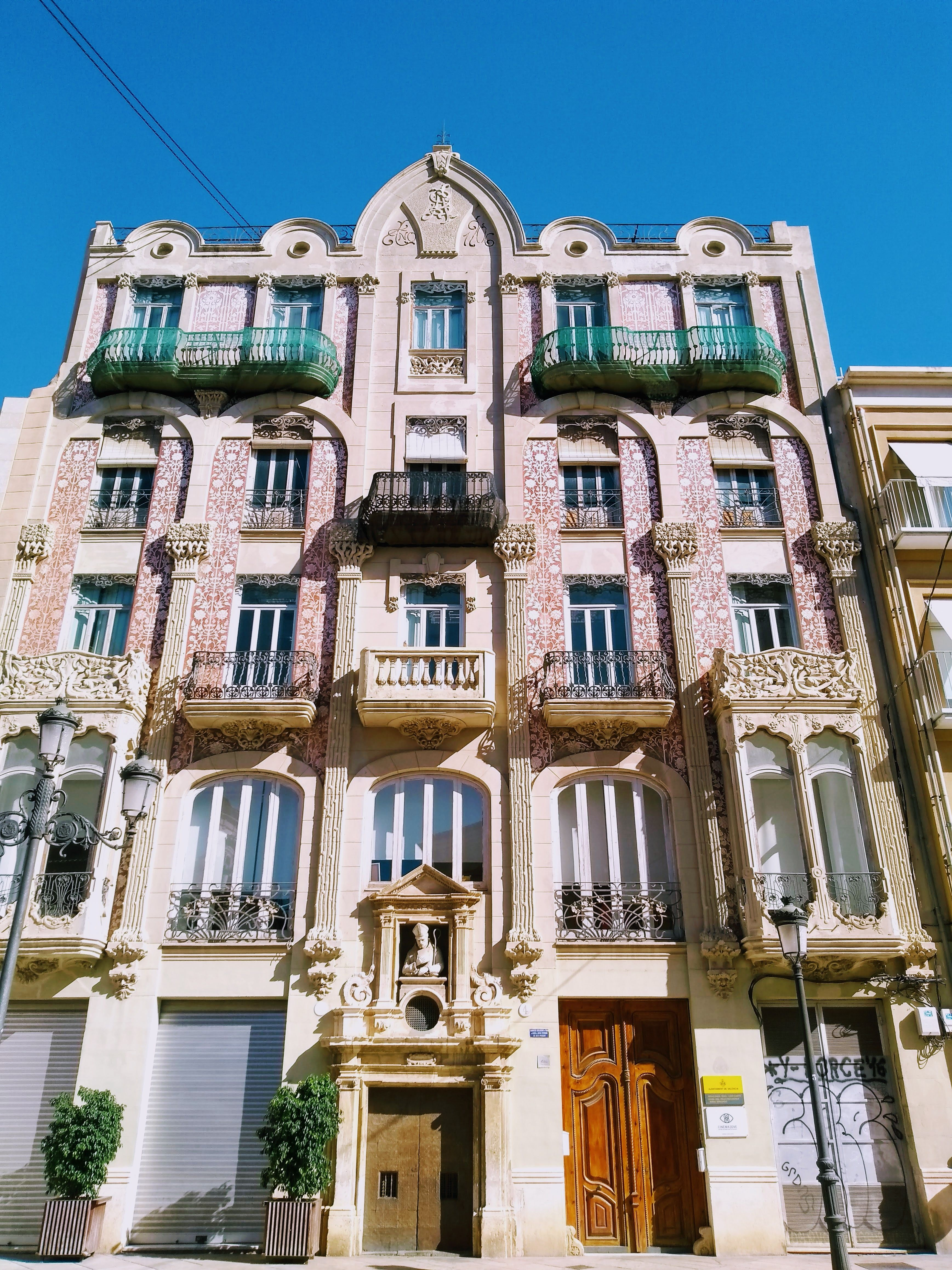 In valencia house styles architecture mansions