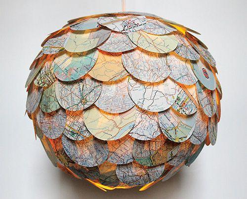 Una lampara con materiales reutilizados :D