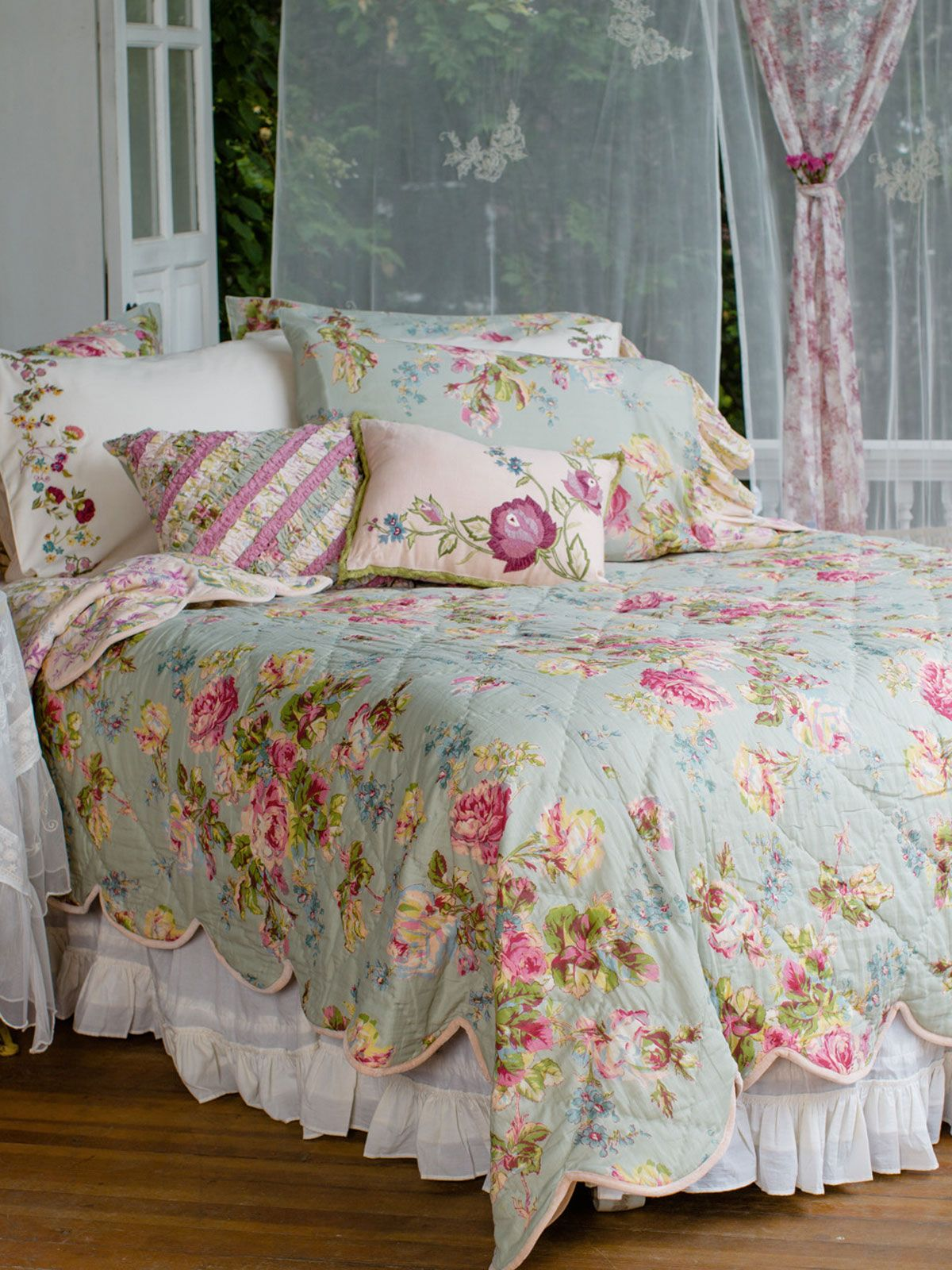 Victorian Rose Quilt - Sage | Bedding, Quilts & Duvets :Beautiful ... : bed quilts and throws - Adamdwight.com