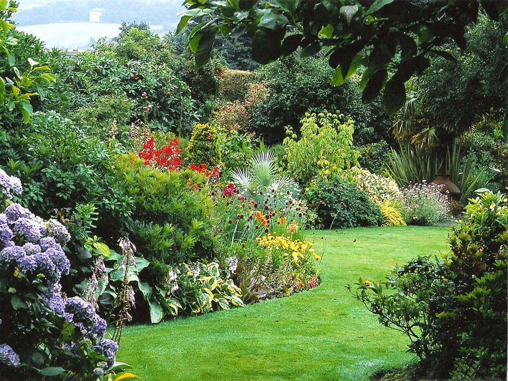 Lawn & Garden:Awesome Summer Garden Design With Colorful Flower ...