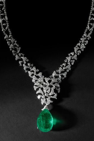 Cartier's Platinum Necklace/Brooch Set with an Emerald and Diamonds, Deadly Serious Piece.