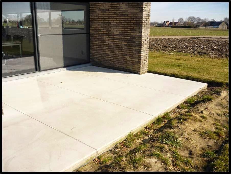 Tom Janssens: Betonvloeren Terras in beton  Gezaagd in tegels