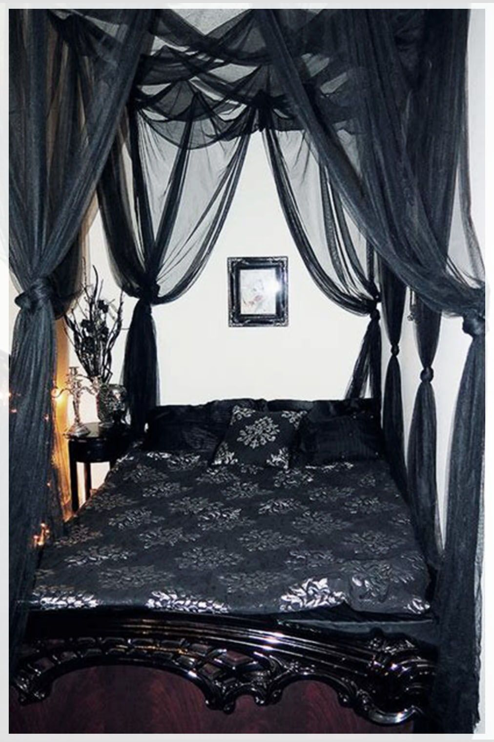 Romantic Gothic Bedroom Ideas 40 Gorgeous Design How To Decorate Black Canopy Beds Gothic Bedroom Bed Curtains