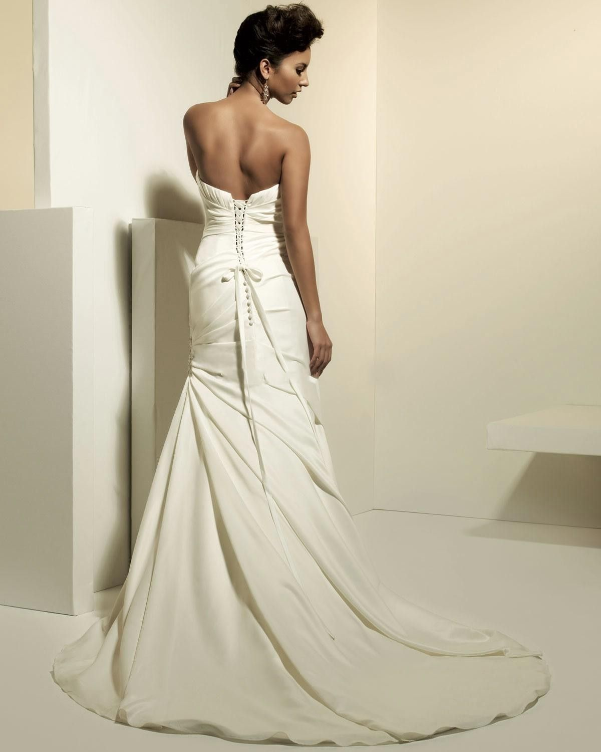 Ivory wedding dress Wedding dress Wedding cake #wedding-pinned by ...
