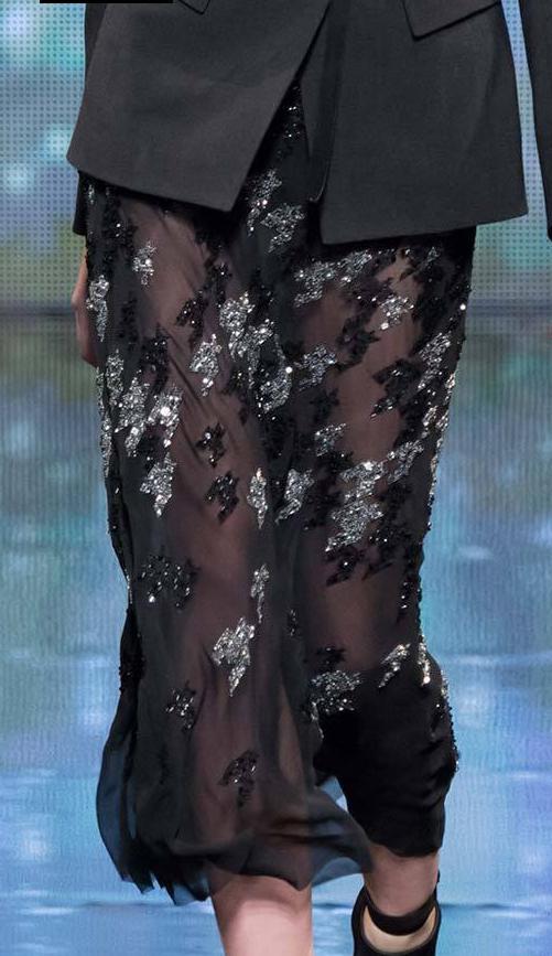Donna Karan / Fall 2014 RTW / silver black hound's tooth skirt