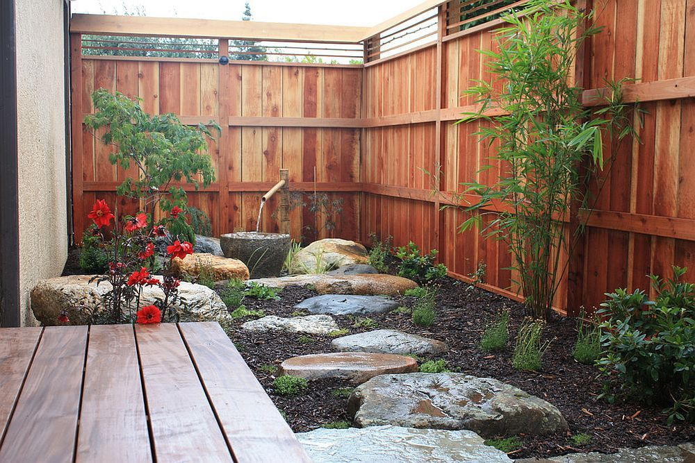 Elegant and small Asian style garden and