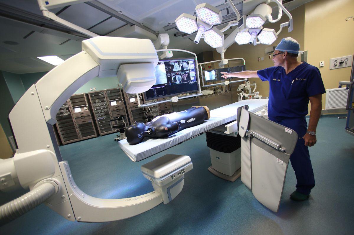 Toronto General Hospital S Operating Room Of The Future Operating Room Hospital General Hospital