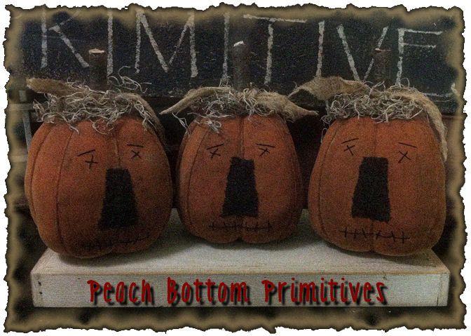 PATTERN~on cd//MY PRIMITIVE SALTBOX//halloween//LITTLE JACKS//FALL//PUMPKINS//PT56