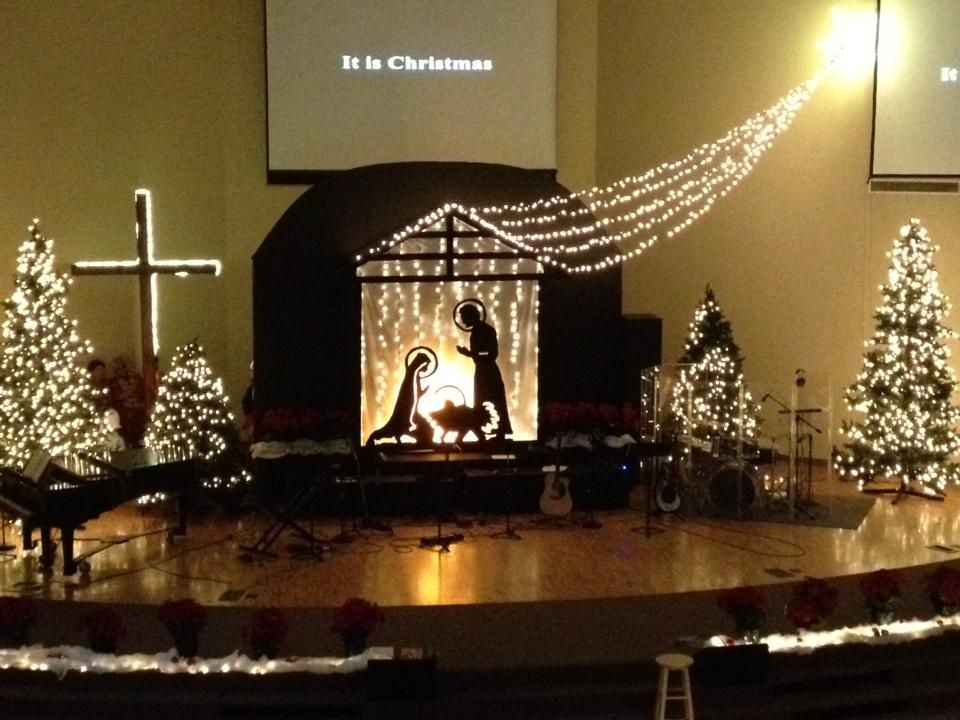 Back drops for church stage bright like a diamond for Christmas church decoration ideas