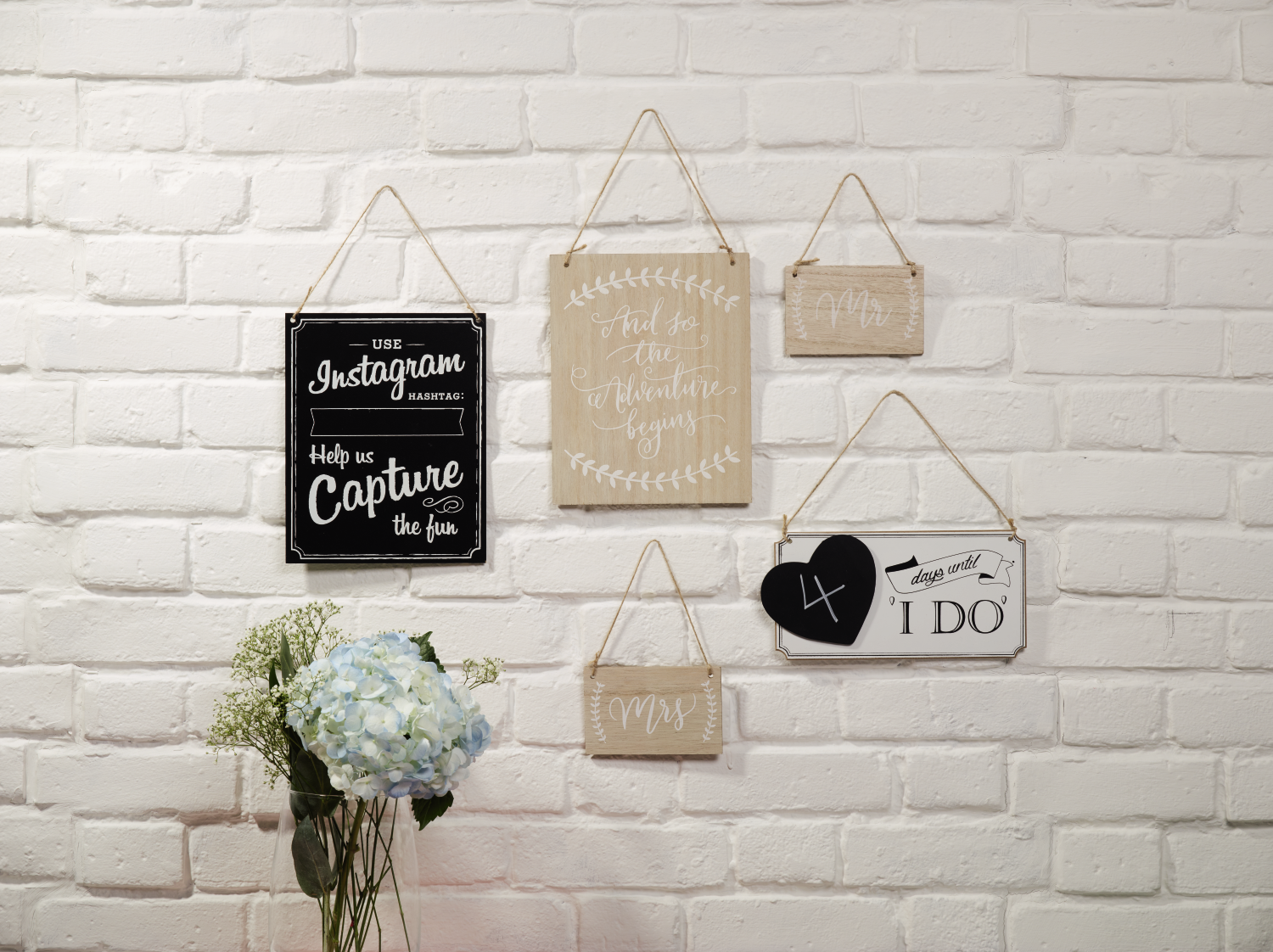 Cute wedding signs to help you capture the day just how you want ...