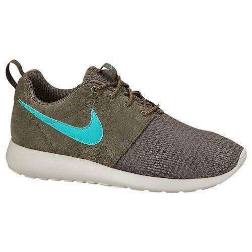 Nike Roshe One - I want these so badly!