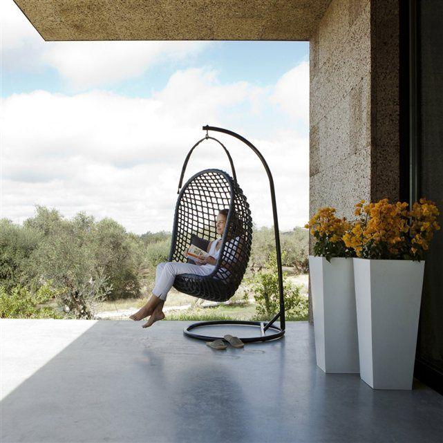 un fauteuil suspendre tr s enveloppant pour retrouver. Black Bedroom Furniture Sets. Home Design Ideas
