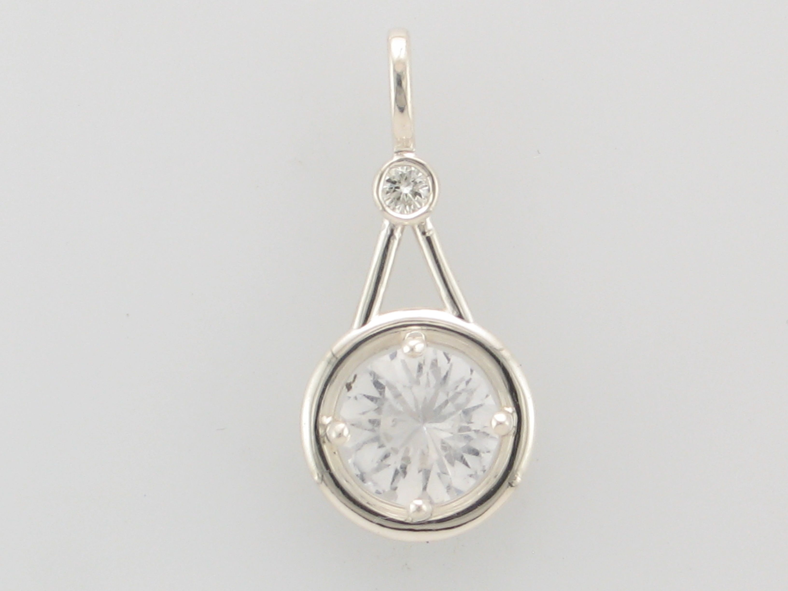 custom stunning essential pendant detail here pin design with the a necklace some timeless diamond