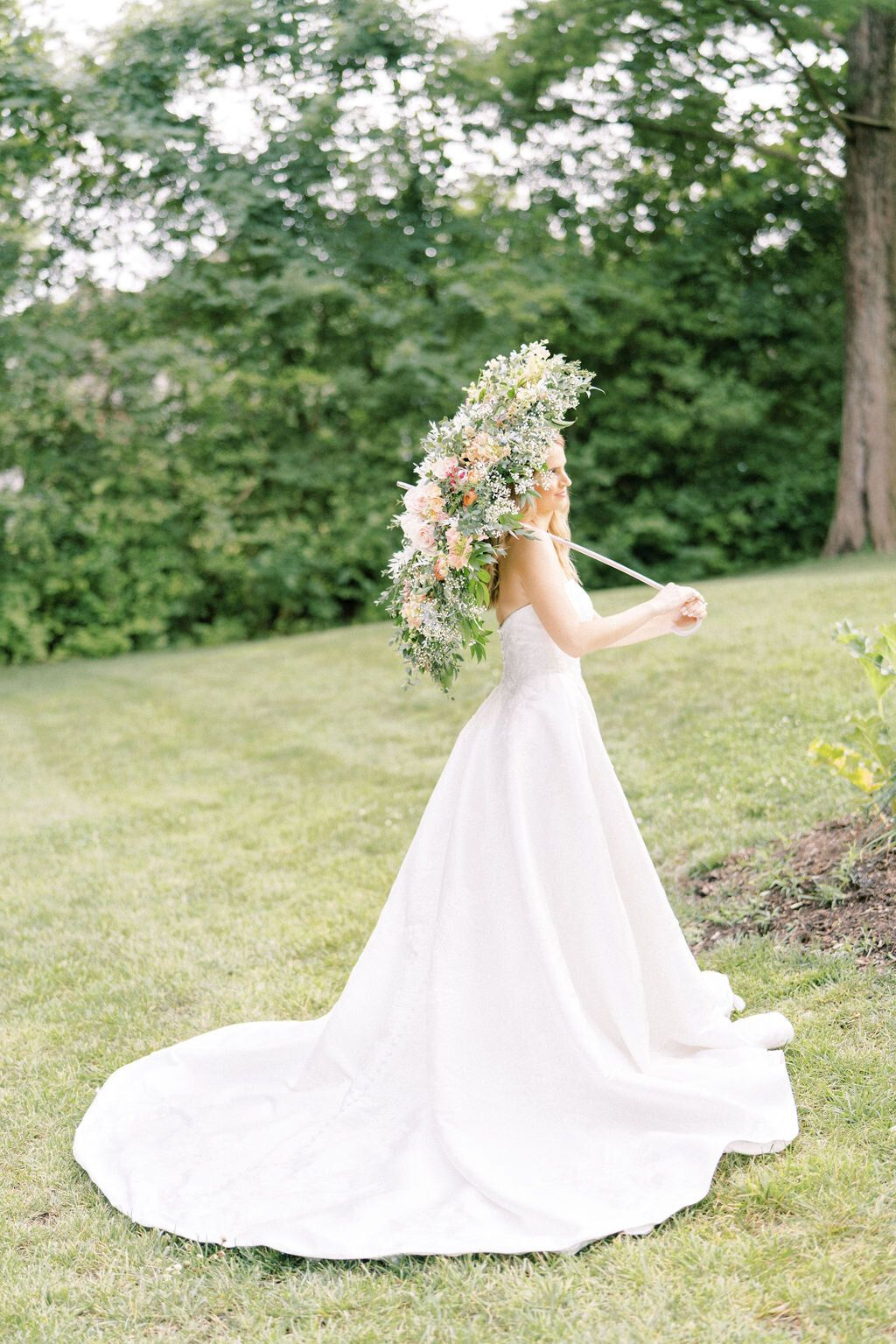 Summer Backyard Wedding Styled Shoot With Sarah Harvey White Traditions Bridal House Classic Wedding Dress Ball Gown Wedding Dress Outdoor Wedding Ceremony [ 1536 x 1024 Pixel ]