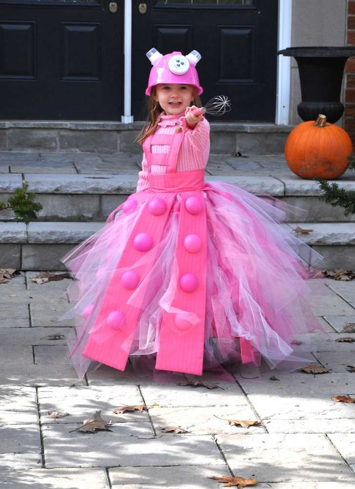 Dr. Who-Princess Dalek. View more EPIC cosplay at http://pinterest.com/SuburbanFandom/cosplay/...