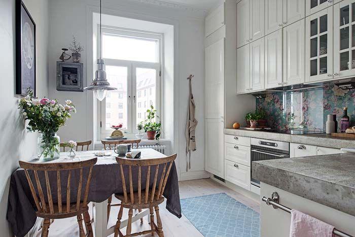 Keltainen talo rannalla home and surroundings Pinterest Kitchens
