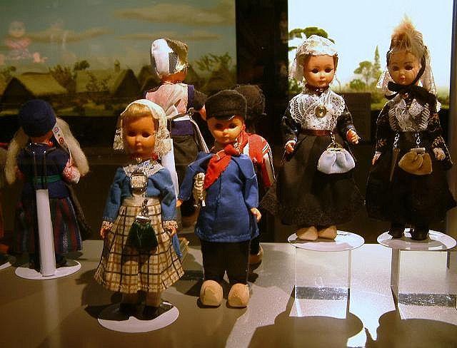 Nationaal Tinnen Figuren Museum 2010    Dutch dolls from the Drenthe province | Poppen uit de provincie Drenthe #Drente