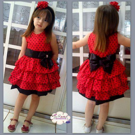 Vestido de poa vermelho e preto