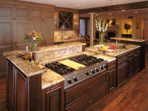 Luxurious Kitchen With A Gas Stovetop Contemporary Kitchen Kitchen Island With Stove Luxury Kitchens