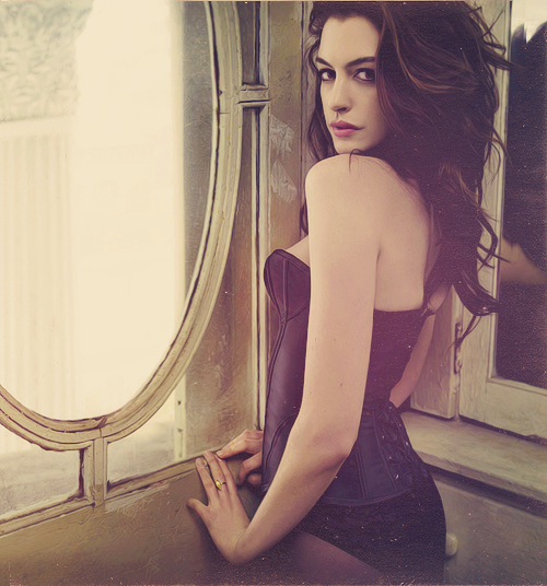 Amazing photo of Anne Hathaway.