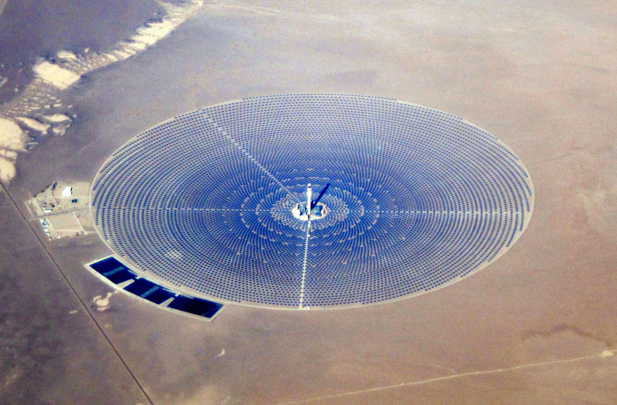 Crescent Dunes Solar Energy Project 2400 X 1576 R Infrastructureporn Power Towers Solar Farm Concentrated Solar Power