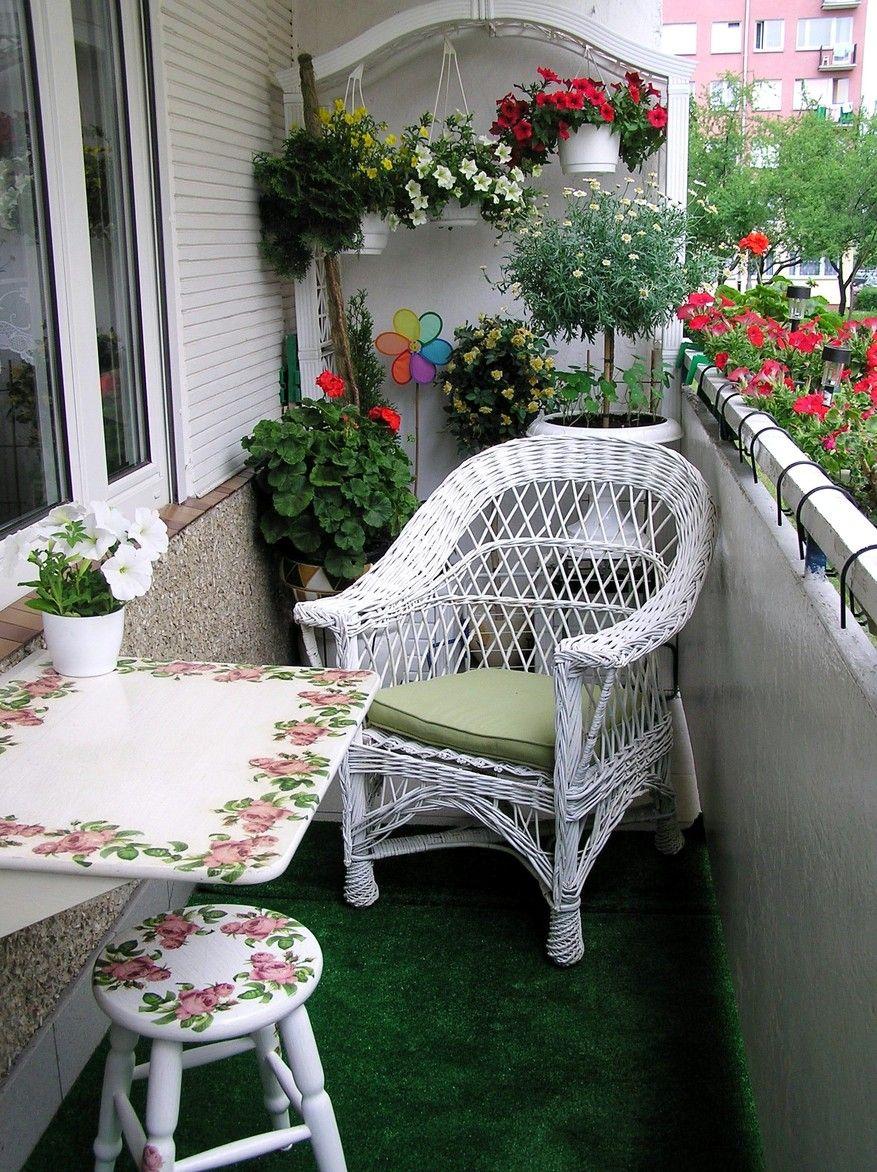 balkon , ratan , kwiaty ,