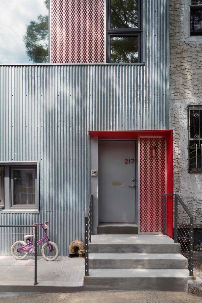 Etelamaki Architecture Design The Renovation Of A Brooklyn Townhouse Architecture Design Architecture House Cladding