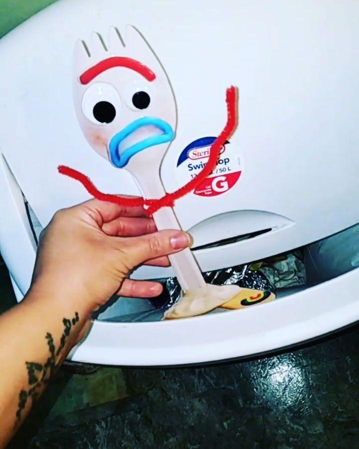 ❤💙 TRASH???!!!! 😳🗑 #forky #toystory #toystory4 #disney #disneyland #disneyworld #disneylife #disneyp...