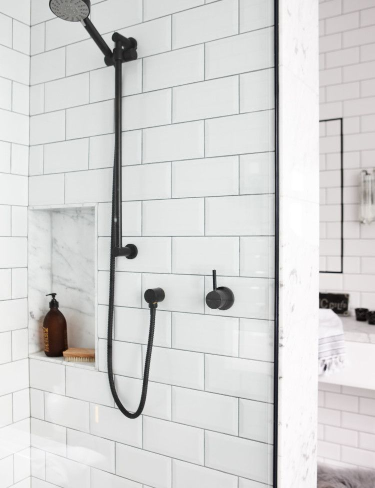 Bathroom profile: Marble & subway tiles -