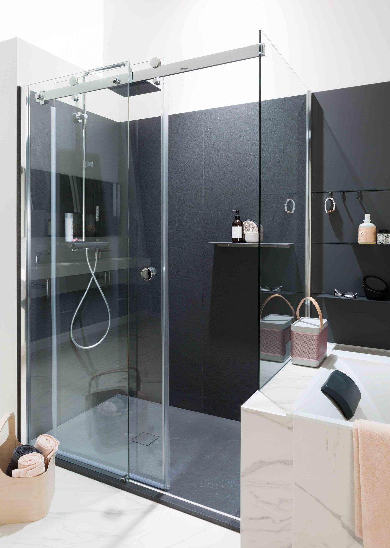mod les de douche l 39 italienne douche large laqu e sur. Black Bedroom Furniture Sets. Home Design Ideas