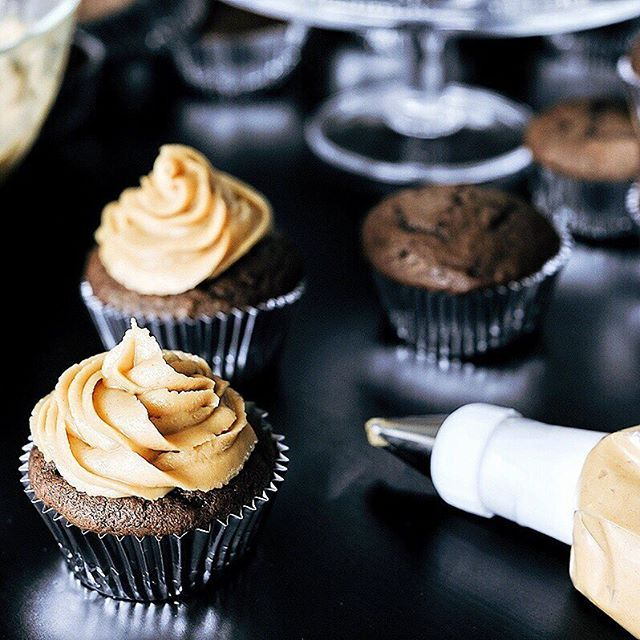 Chocolate Cupcakes With Peanut Butter Frosting via @feedfeed on https://thefeedfeed.com/smakeats/chocolate-cupcakes-with-peanut-butter-frosting
