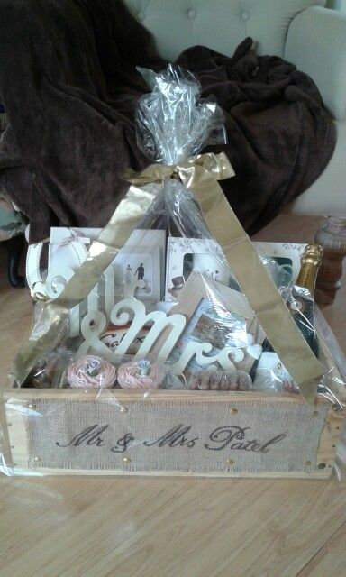 Wedding Gift Ideas Uk: Luxury Wedding Hamper Www.chic-dreams.co.uk