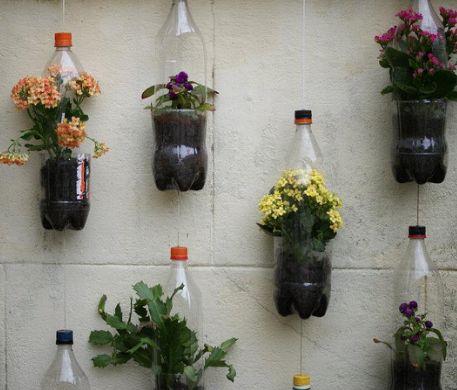 recyclage cr atif des r utilisations surprenantes de bouteilles en plastique recyclage. Black Bedroom Furniture Sets. Home Design Ideas
