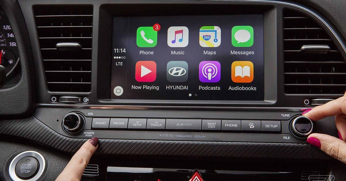 Waze adds Apple CarPlay support just days after Google